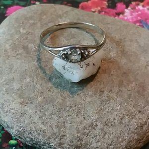 Jewelry - 10k White Gold ring
